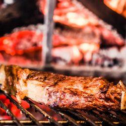 bistecca sulla griglia